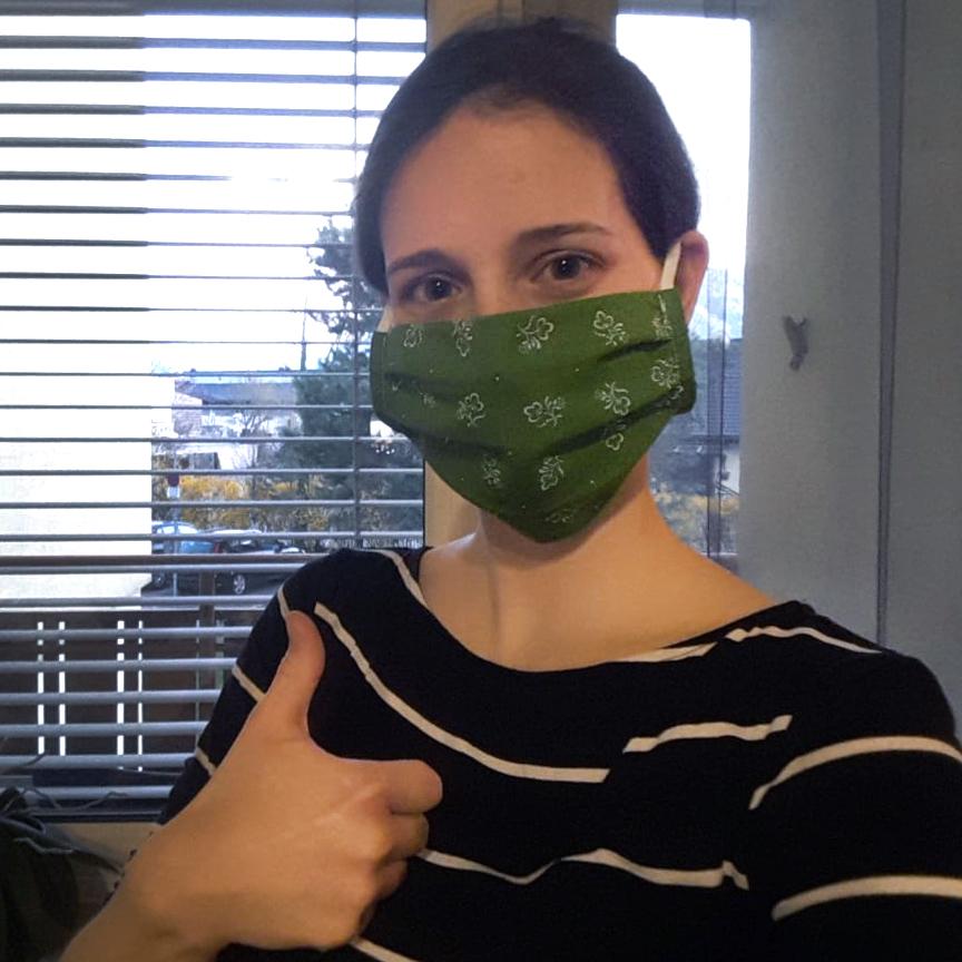Kleidermacherin Maskenpflicht Conny - Ein Monat Maskenpflicht in Österreich