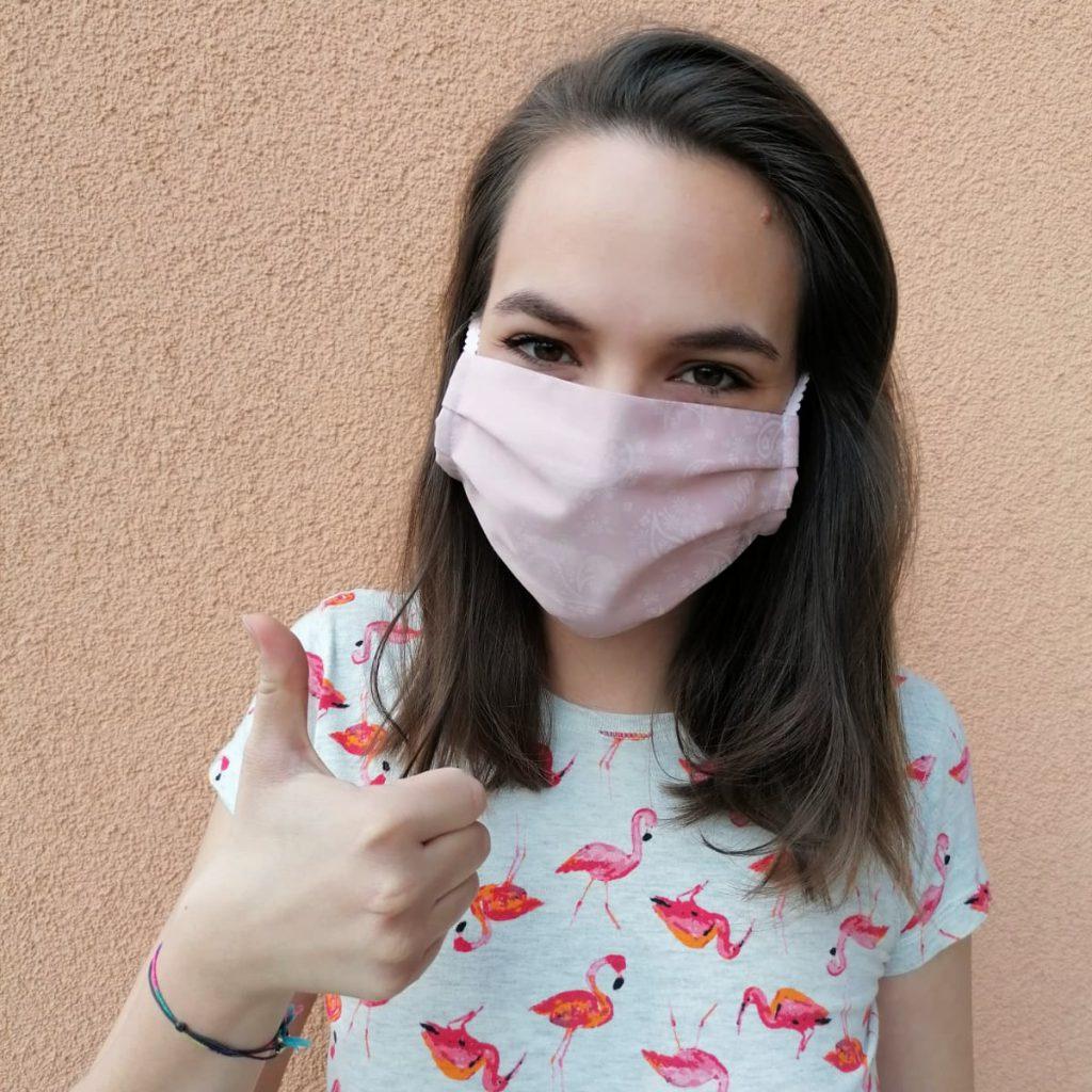 Kleidermacherin Maskenpflicht Kathi 1024x1024 - Ein Monat Maskenpflicht in Österreich