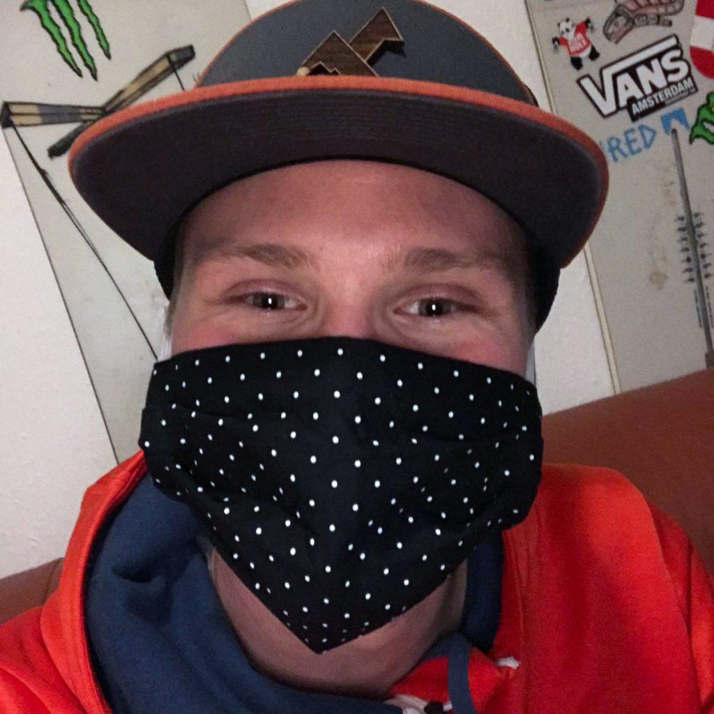 Kleidermacherin Maskenpflicht Ralph 1024x1024 - Ein Monat Maskenpflicht in Österreich