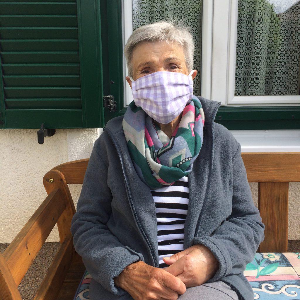 Kleidermacherin Maskenpflicht Rosa 1024x1024 - Ein Monat Maskenpflicht in Österreich